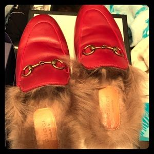 Gucci fur sliders